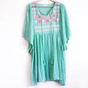 💥3/$13💥 Embroidered babydoll tunic
